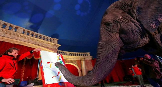 Indian Elephant Gets Paintings Auctioned Off In Hungary