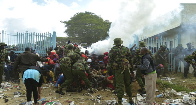Teargas, Chaos As Kenyatta To Be Sworn In For Disputed Second Term