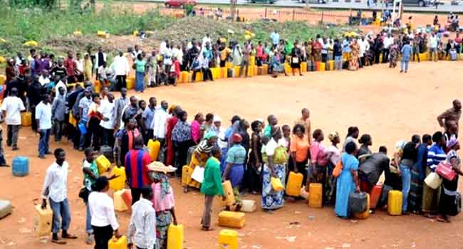Nigerians Decry 'Lingering' Fuel Challenges As Presidency Monitors Situation
