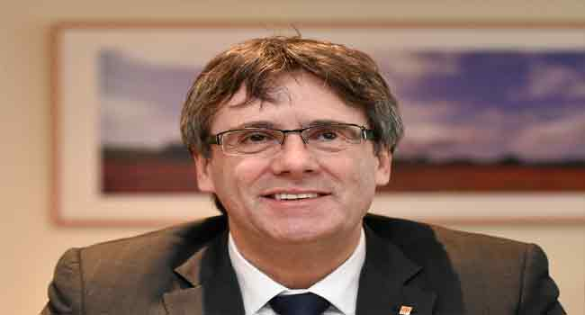 President Skype: can Puigdemont rule Catalonia remotely?
