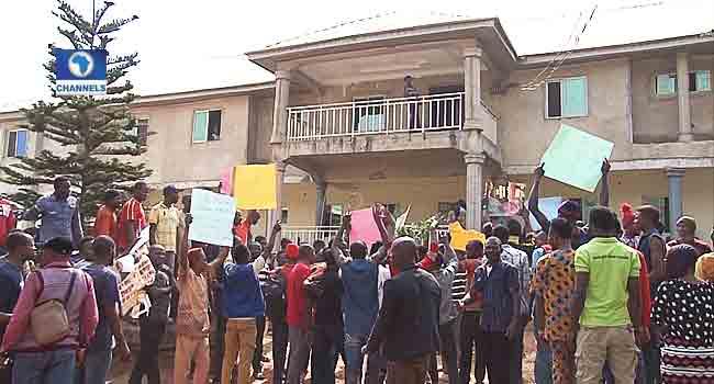 Residents Of Edo Community Protest Herdsmen Attacks