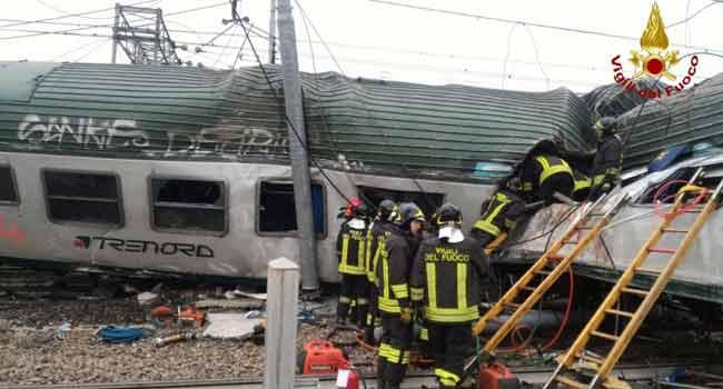 Three Dead, Scores Injured In Italy Train Crash