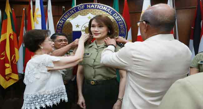 First Transgender Officer Joins Philippine Army