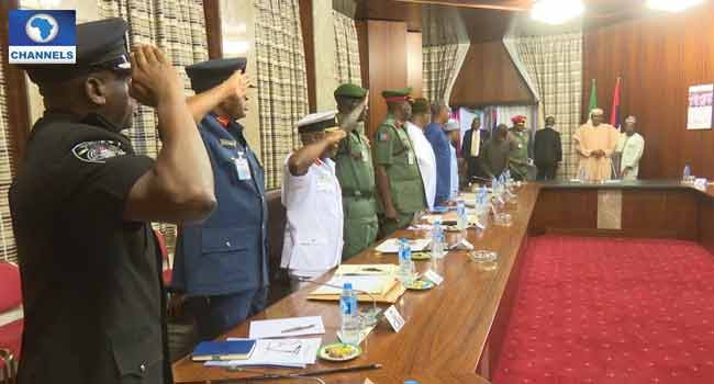 Insecurity: Buhari Holds Closed-Door Meeting With Security Chiefs, Osinbajo