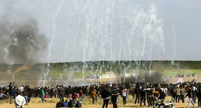 Israeli gunfire injures 49 Palestinians on Gaza border