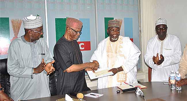 Buhari's Administration Delivering On Promises Despite Challenges, Says Oyegun