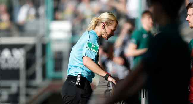 Borussia Sorry After Fans Insult Female Referee