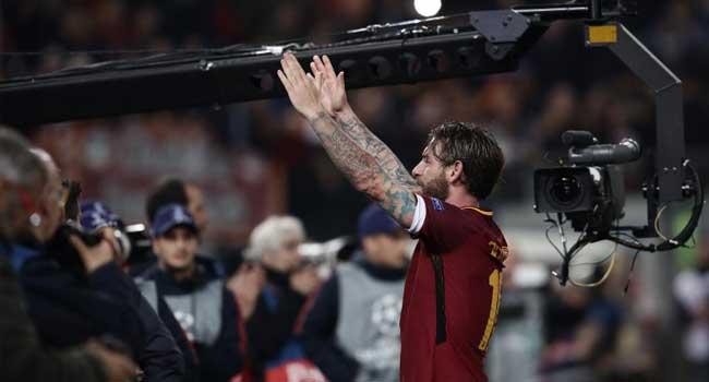 De Rossi Disguises To Watch Roma, Lazio Derby