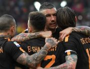 Ten-Man Roma Warm-Up For Liverpool With 4-1 Win Over Chievo