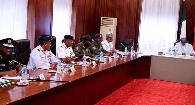 Buhari Cancels FEC Meeting, Meets Service Chiefs