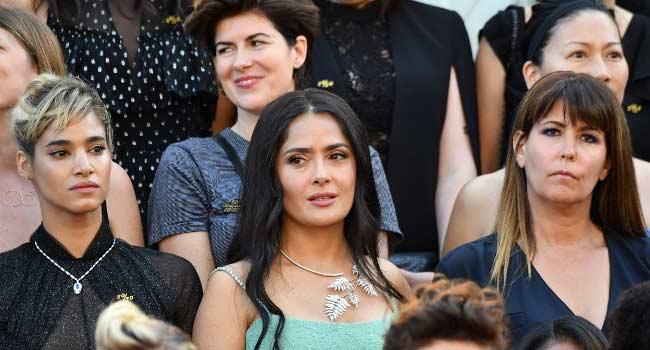 Male Hollywood Stars Must Take Pay Cuts, Says Salma Hayek