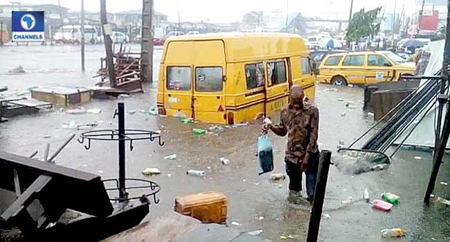 Heavy Rainfall Causes Flood, Traffic In Lagos