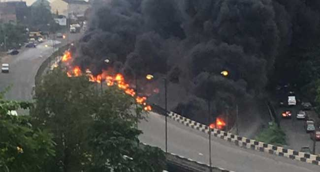 Over 10 cars in flame as Petrol tanker falls off Otedola bridge
