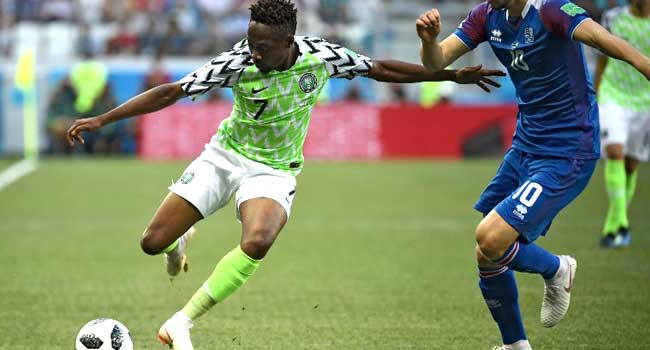 Nigeria s forward Ahmed Musa (L) vies with Iceland s midfielder Gylfi  Sigurdsson during the Russia 2018 World Cup Group D football match between  Nigeria and ... 44691a20e