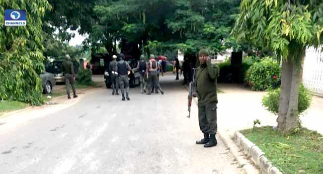 Security Operatives Storm Saraki, Ekweremadu Residences