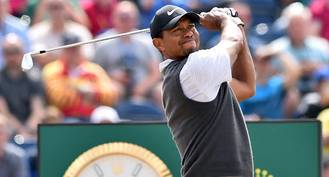 tiger woods rolls back the years at british open