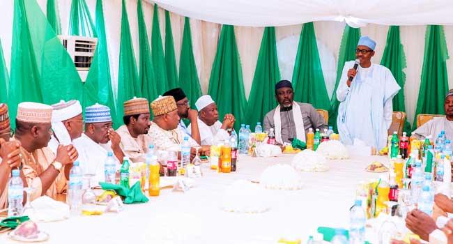 PHOTOS: APC Governors, Others Visit President Buhari In Daura