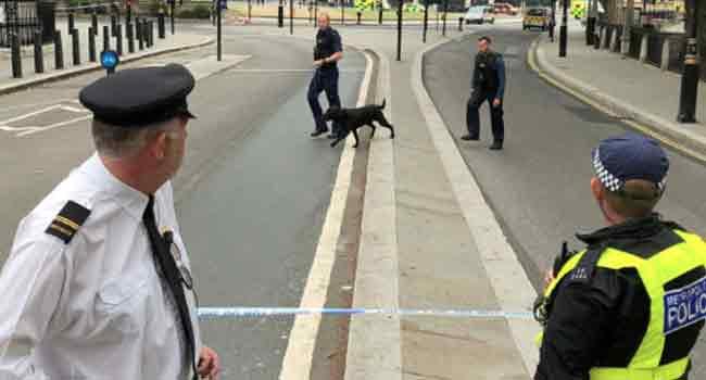 Suspected Terror Attack Injures Pedestrians Outside British Parliament