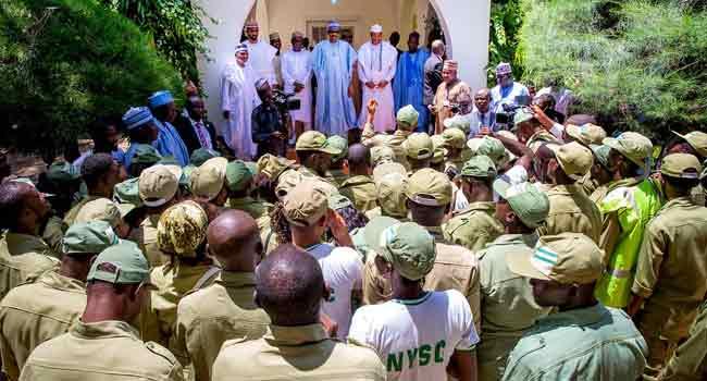 President Buhari Hosts Corps Members In Daura