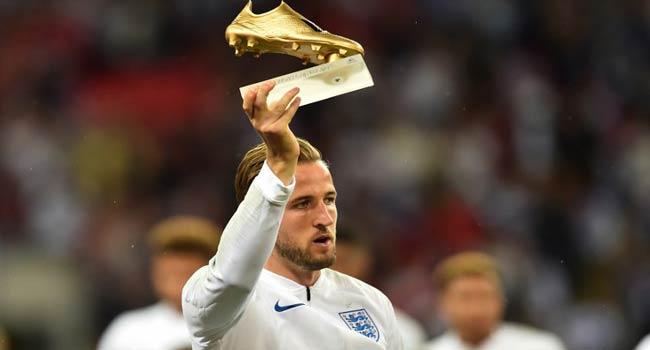 Kane Receives Golden Boot Award At Wembley