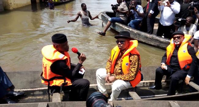 Osinbajo, Obiano Use Boats To Visit Flood Victims In Anambra