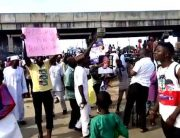 BREAKING: APC Supporters Block Kaduna-Abuja Highway, Protest Alleged Automatic Tickets