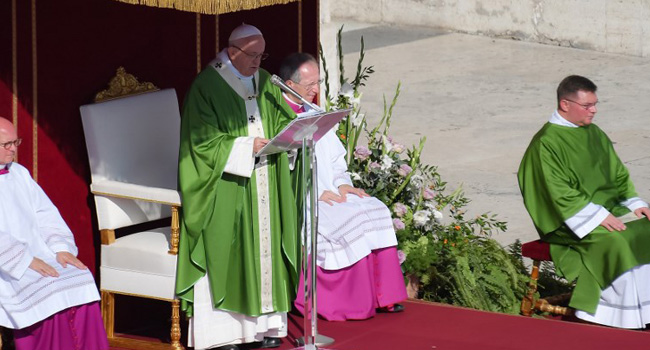 Pope Welcomes Chinese Bishops To First Vatican Meeting