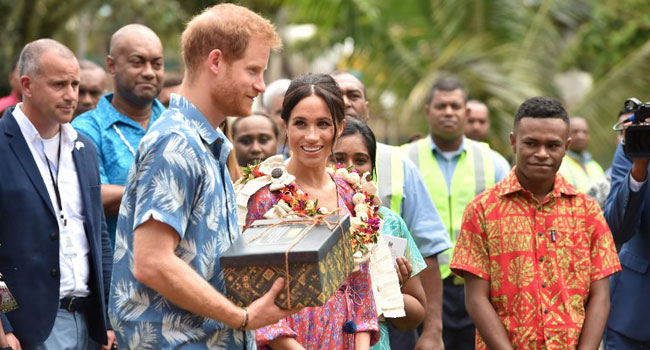 Meghan Takes Spotlight Amid Royal Fever In Fiji