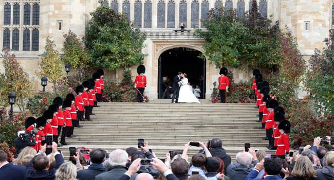 Queen Elizabeth's Granddaughter Weds At Windsor Castle
