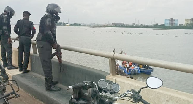 Man Jumps Into Lagos Lagoon