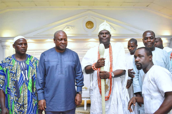 Ooni Receives Ghana's Ex-President, Calls For African Unity