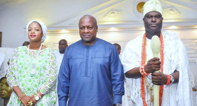 Ooni Of Ife Hosts Ex-Ghanaian President, Mahama