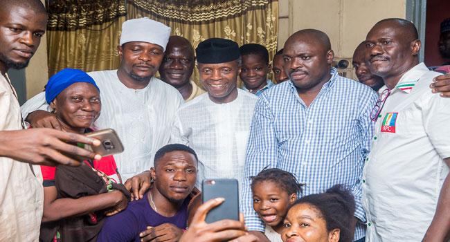 PHOTOS: Vice President Osinbajo Takes Door-To-Door Campaign To Lagos