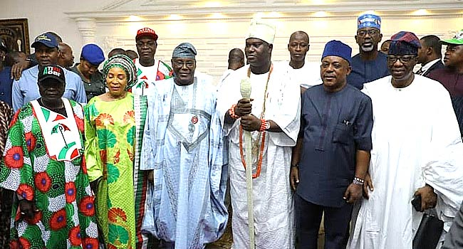 Atiku Campaigns In Osogbo, Pays Homage To Ooni