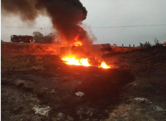 Over 20 persons burnt in tanker explosion