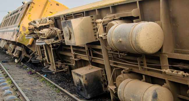 Train Derails In Lagos, Leaves Many Injured
