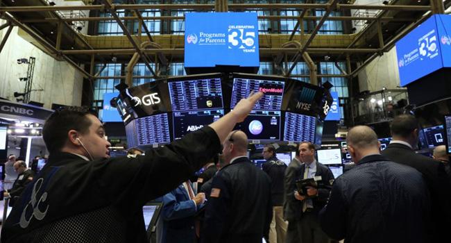 Grim US Economic News Sends Investors Scrambling
