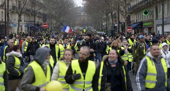 Yellow Vest Crisis 'Very Good For Me', Says Macron