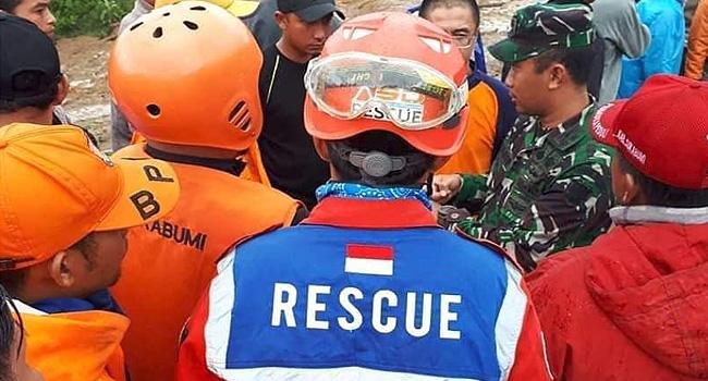 Landslides Kill 15 In Indonesia