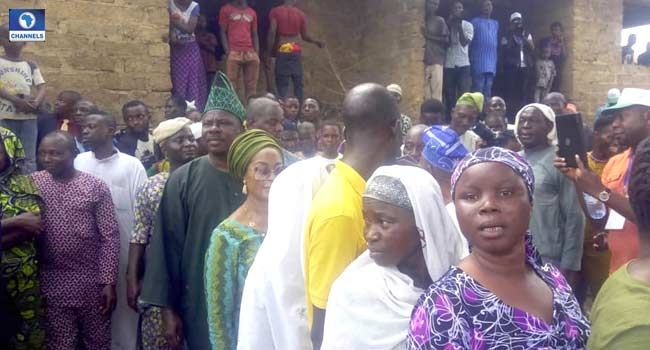 Amosun, Wife Queue To Vote In Abeokuta