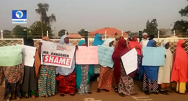 Protesters Storm Kaduna Govt House, Demand Onnoghen's Resignation