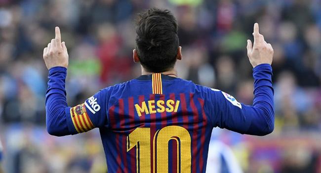 'I Can't Imagine Barcelona Without Messi' – Dutchman Van Bronckhorst