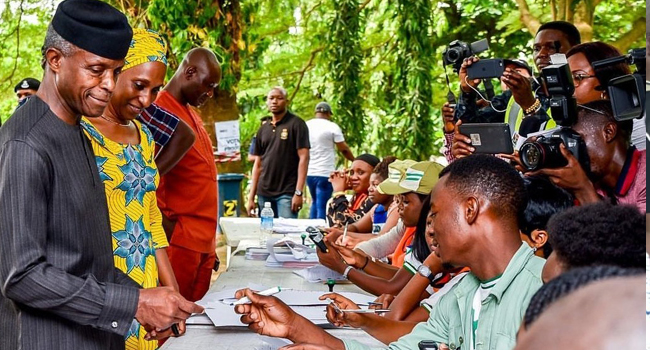 Osinbajo Votes, Urges Nigerians To Cooperate With Buhari For Better Nigeria