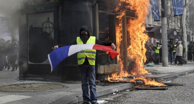 Yellow Vest Protest: Looting, Violence Return To Paris