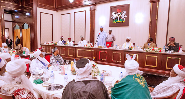 Sultan, Emir Of Kano, Other Traditional Rulers Dine With President Buhari