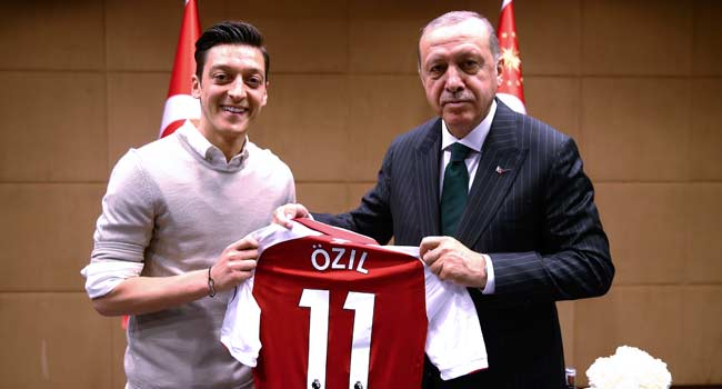Ozil Dines With Turkey's Erdogan During Ramadan Iftar