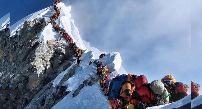 Long Queue On Everest As Two More Climbers Die Reaching Peak