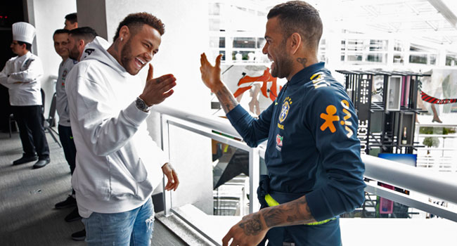 Neymar Allegedly Accepts Pay-Cut In 'Verbal Agreement' With Barca