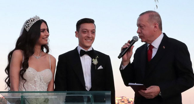 Mesut Ozil Gets Married With Turkish President As Best Man