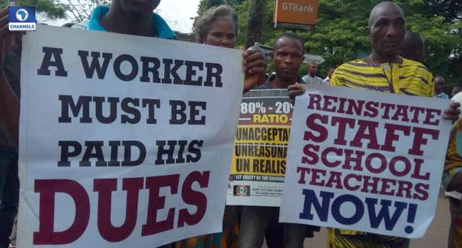 SSANU Members Block UNIBEN Junction Protest Poor Welfare